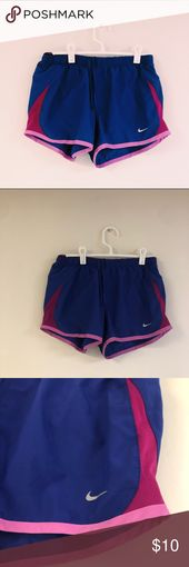 Nike Shorts! Keine Gebrauchsspuren! Fühlen Sie sich frei, um ein Angebot zu machen :) Nike Shorts   – My Posh Picks