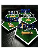 Graduation table centerpieces for boys high schools 23 - www.Sawoc.com
