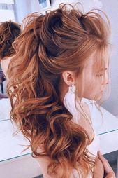 gefegt zurück Hochzeitsfrisuren halb hoch halb runter auf lockigen langen roten Haaren Seite lavishpro #curlyhair - #curly #curlyhair #hairstyles #