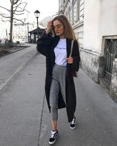 Street Style: Viktoria J. Hutter on Instagram: Instagram Pinterest // Carriefiter // 90s Yes …