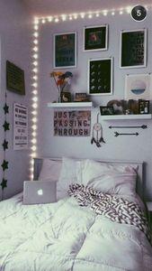 30+ Awesome Minimalist Dorm Room Decor Inspirationen für ein Budget