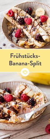 Frühstücks-Banana-Split mit Frozen Quark und Müsli