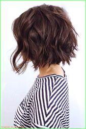 Damen Haarschnitt ideen – kinnlang geschnittener Bob, vorne lang, hinten kurz, kastanienbraun…