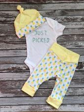 Pineapple Newborn Coming Home Outfit. Pineapple Gender Neutral Baby Take Home Outfit. Yellow and Teal Just Picked Baby Outfit