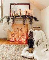 Photo of Gemütliche Winterkaminverkleidung, dekoriert für Winter / Weihnachten – Vintage / Antik