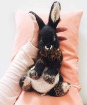 How to knit a bunny rabbit – free pattern and step by step tutorial