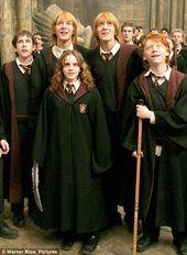My Way Of Pinching Myself Emma Watson Admits To Renting Harry Potter Film On Netflix To Wa Harry Potter Cast Harry Potter Fanlari Harry Potter Filmleri