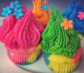 Special order today! #Trolls Cupcakes! And a giant troll tree cupcake cake for t… – Baking and other Yummy things