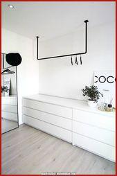 Schöne Offener Kleiderschrank im skandinavischen Stil, schwarz und weiß – #schwarz #schrank #…