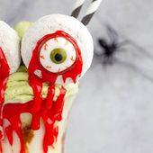 Dieser Halloween-Milchshake von Bloody Monster Eyes ist mit einem …