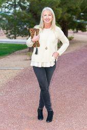 Der J Jill Mixed Media Sweater passt gut zu weichen schwarzen Röhrenjeans und Booties. ...