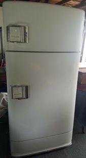 This Is A Fantastic Working Hotpoint 2 Door Refrigerator Freezer This Model Has The Buckle Door Ha Vintage Refrigerator Retro Refrigerator Glass Refrigerator