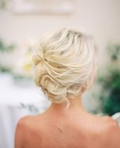 25 Gorgeous Short Up-Dos to Try in Your Next Wedding & Prom Invitations