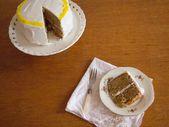 Gewürzte Rumkuchen mit Kokosnuss Schlagsahne Zuckerguss