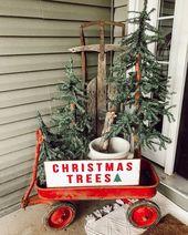 30+ Stunning Christmas Decor Ideas With Farmhouse Style