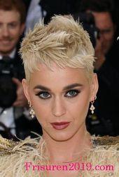 kurze haare frisuren fuer trendfrisuren 2018 | Trendfrisuren 2018 Damen #frisuren #trendfrisuren #frisuren2018 #bobfrisuren #damenfrisuren #frauenfris…