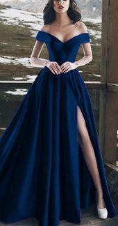 What color are shoes under the navy dress? # Is lacivertelbiseninaltınanerenkayakkabıol …