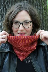 Free knitting pattern: Sequence Knitting Cowl