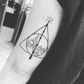 103 Winzige Harry Potter Tattoo-Ideen, die jede Hexe oder jeder Zauberer lieben wird