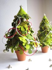 Weihnachtsbaum – Filztanne mit Weihnachtsdekoration   – BOZE  NARODZENIE