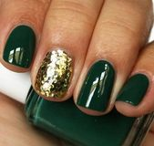 60 Pretty Chrismas Nail Artwork You Must Copy