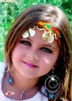 رسم عارضات الازياء مع قيثورة In 2020 Girls Frock Design Beautiful Children Color Splash Photography