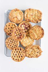 Mini Peach Pies – individuelle Peach Pies, perfekt für ein Picknick, einen Grillabend oder einen Sommerabend.   – Desserts, Pies, Cookies and Bars