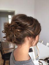 Holen Sie sich diesen Look mit unserem 30-Zoll-Crush Girl Kordelzug Pferdeschwanz 😍 Swipe - image 37df32644c14f18b12cbfee464e37739--bridal-bun-bridal-style on http://hairforstyle.com