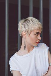 Adore this short hair #flatironsshortgirlhairstyles – #adore #flatironsshortgirl…
