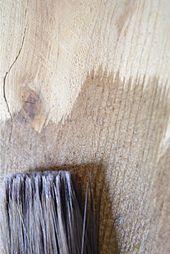 Alterndes Holz Sofort neues Holz wie Stallholz.