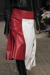 Marni at Milan Fashion Week Fall 2019 - Details Runway Photos #WomensFashionEdgyBoho