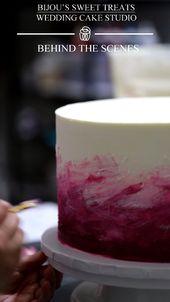 im studio: arbeiten an dieser einfachen buttercreme hochzeitstorte mit pinselstrich.   – Le Petit