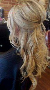 Boho Chic Hochzeit Frisur für langes Haar mit Blumen. Hochzeitsfrisuren halb nach unten Haare und Make-up von Boho Chic Hochzeit Frisur für langes H…