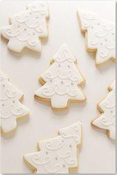 Me encanta el diseño de glaseado de estas elegantes galletas de árbol.   – Hübsch angerichtet und Partyhäppchen