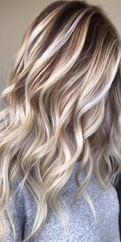 blonde hairstyle; blonde hair shades; blonde hair balayage; rose gold hairstyle. #blondehair #blondehairstyle #shorthairbalayage