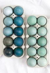 DIY: Ostereier färben natürlich mit Rotkohl – blau und grün   – Basteln – #Ba…