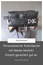 Der upcycling Kulturbeutel personalisiert mit Namen oder Monogramm ist DAS Weihn…
