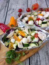 Gemüse-päckchen mit mozzarella für den grill