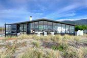 Ein Zuhause voller Fenster bringt Stinson Beach in…