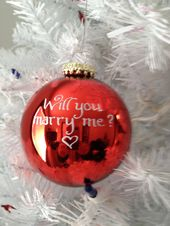 Awww I love Christmas proposals! Something About family around and cameras ! Lov…   – JAFRAGER! ASK NOW!