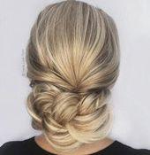 20 Anspruchsvolle und einfache professionelle Frisuren für Frauen