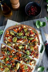 Butternusskürbis und Rosenkohlpizza #brussels #courge #musquee #pizza