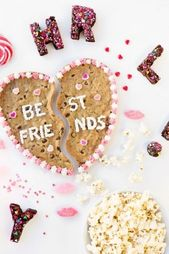 How To Throw The Best Galentine's Party For You And Your Besties – Society19