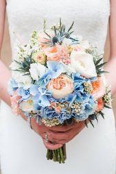 Brautstrauß mit blauen Disteln   – Hochzeit