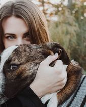 21 Cute Senior Picture Ideas With Pets