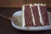 Blood Orange & Coconut Velvet Cake mit Schlagsahne und Frischkäse