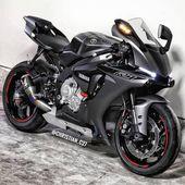 """Daily Motorcycles auf Instagram: """"R1 ist ein Biest! @ Chr1stian_c27 #Yamaha # …- D …   – Sport"""
