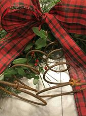 Christmas Decor for a Small Farmhouse Bed room – County Highway 407