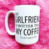 Meine Freundin ist Hotter_Boyfriend Mug_Valentines Gift_Gifts für Him_Coffee Mug für Him_Funny_Romantic Birthday Gift_Cute Couples Mugs   – So She Did Design ©️