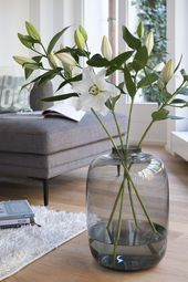 Proved size in the decoration! The XL vase emphasizes the opulent Minlano style …